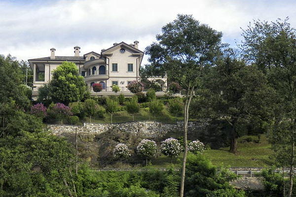 Elegant Villa on Lake Orta