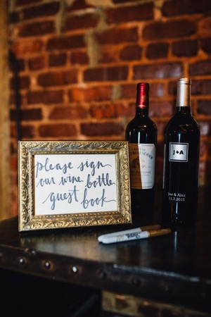 Wine wedding: the bottles guestbook